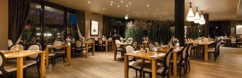 Onderhoud houten vloer Hilton Royal Parc Soestduinen