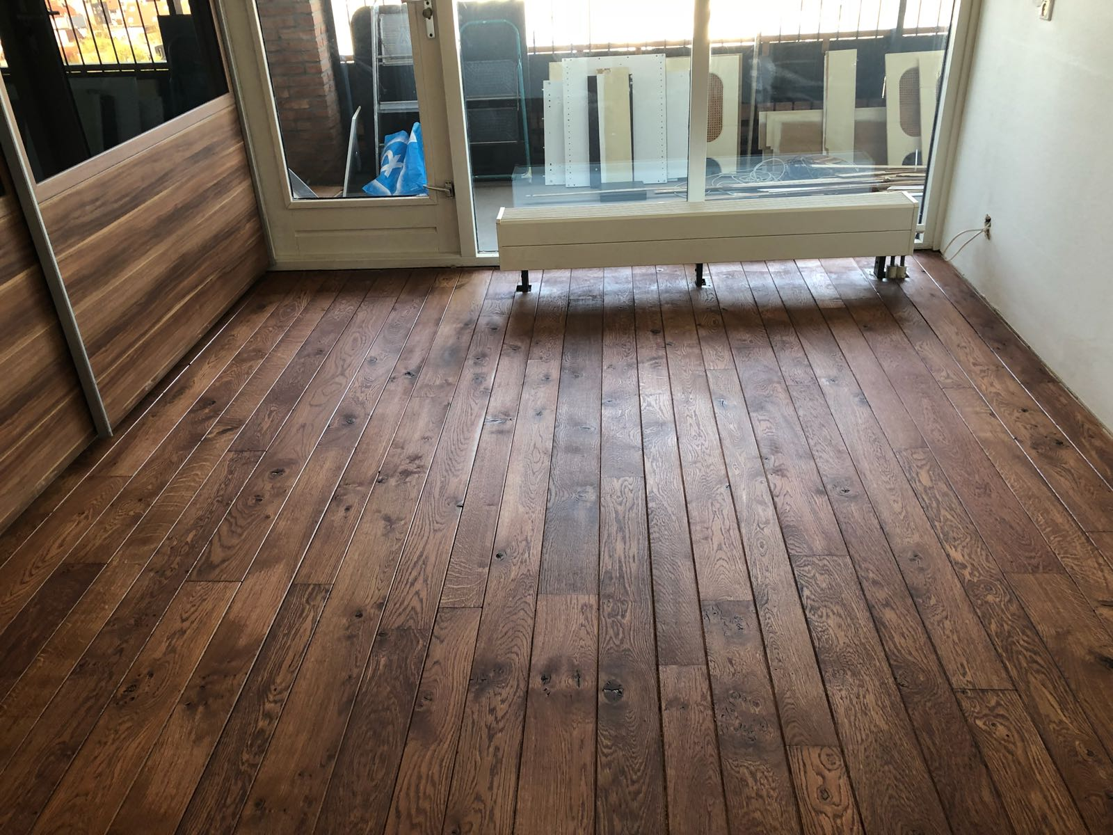 Houten vloer schuren en oliën houten vloeren paleis