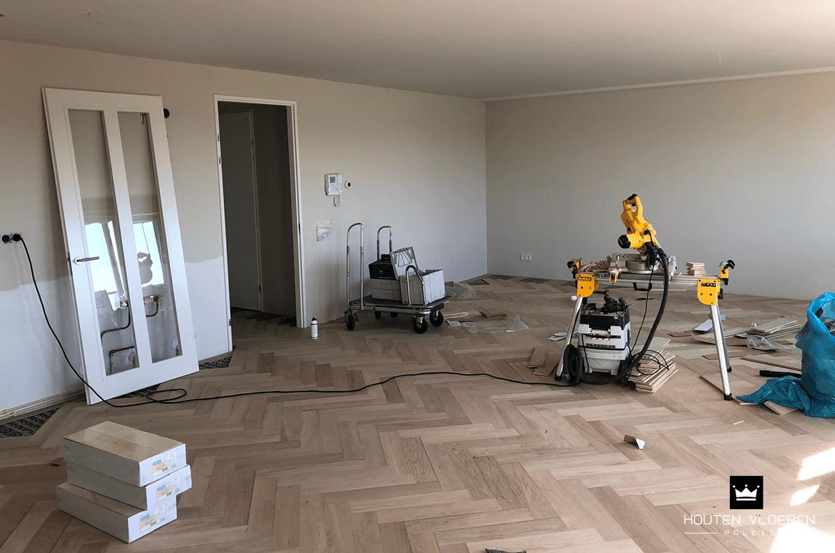 Visgraat vloer leggen in appartement september hvp